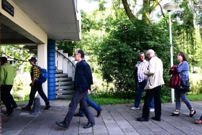 Architectuurwandeling Buitenveldert. Foto: Victorien Koningsberger.