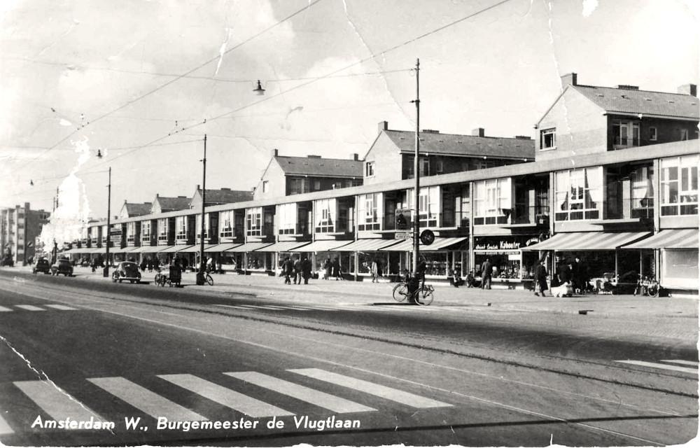 Prentbriefkaart. Amsterdam W., Burgemeester de Vlugtlaan; circa 1960.