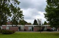 Bejaardenwoningen in rijtjes in Slotermeer. Foto: Noud de Vreeze.